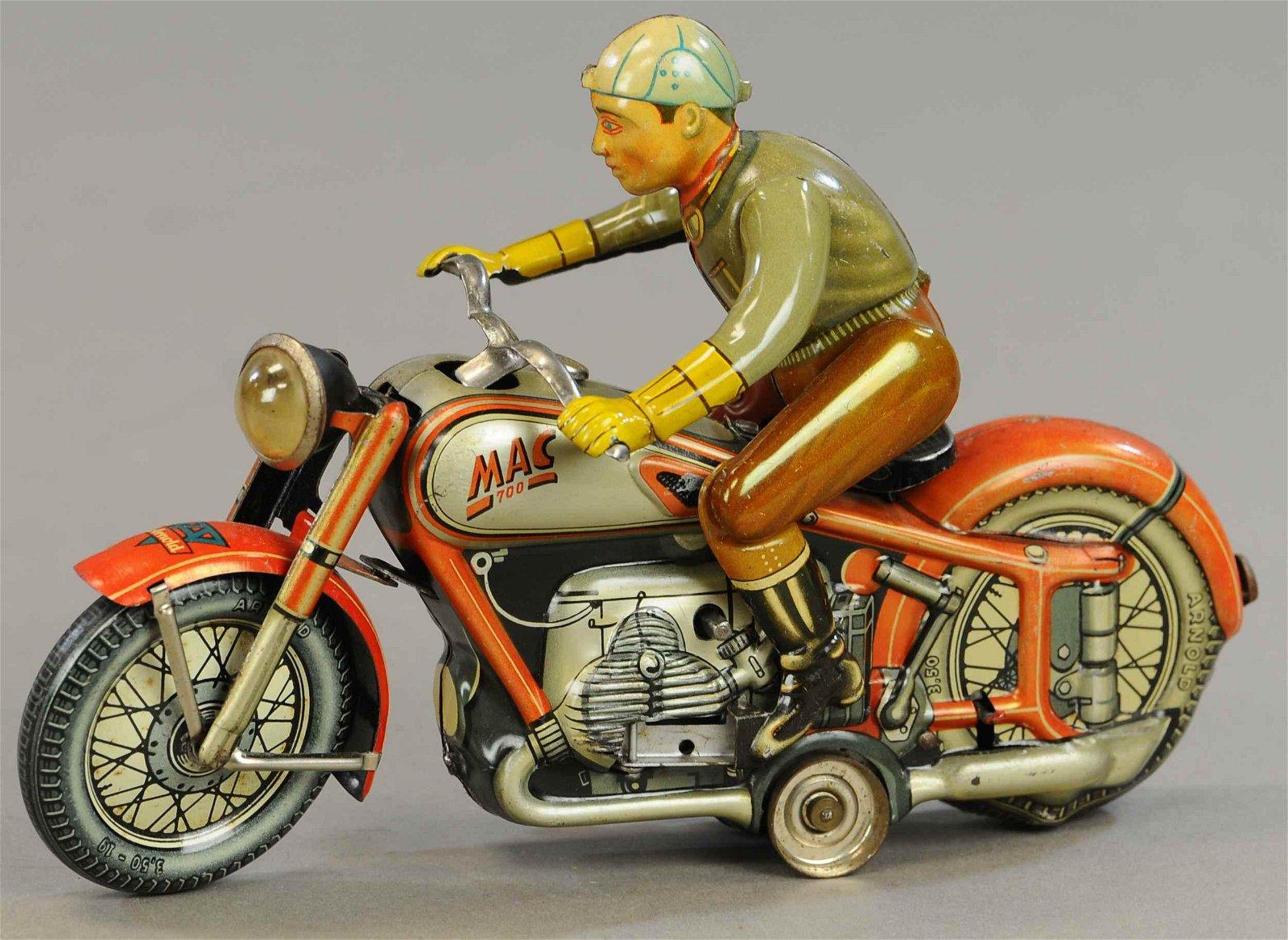 ARNOLD MAC 700 MOTORCYCLE
