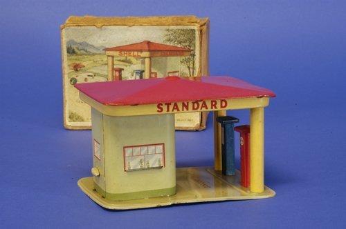 307: LEHMANN BOXED ''SHELL'' STATION