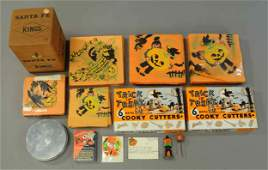 GROUPING OF HALLOWEEN NAPKINS  PARTY FAVORS