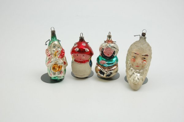 1559: GROUP OF FOUR FIGURAL GLASS ORNAMENTS