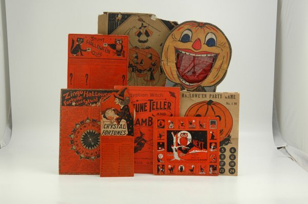 1883: GREAT HALLOWEEN PAPER AND GAME LOT