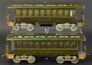 PAIR OF LIONEL STANDARD #29 DAY COACHES