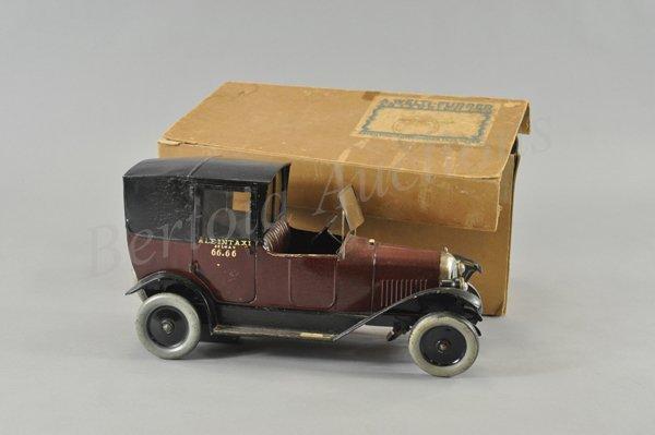3123: CITROEN B32 TAXI WITH ORIGINAL SHIPPING BOX