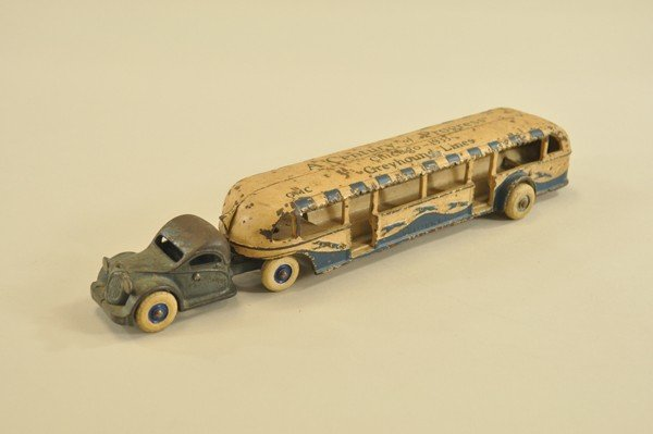 7: 1933 WORLD'S FAIR BUS