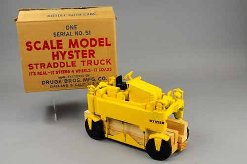 BOXED HYSTER STRADDLE TRUCK