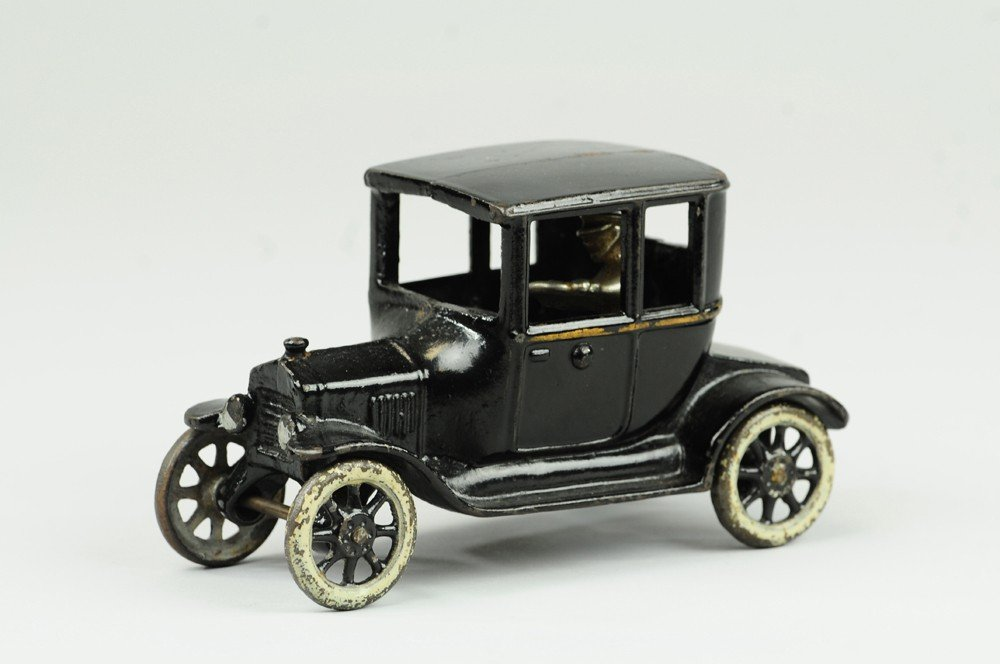 10: ARCADE MODEL 'T' FORD COUPE