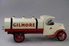 GILMORE RED LION TANK TRUCK
