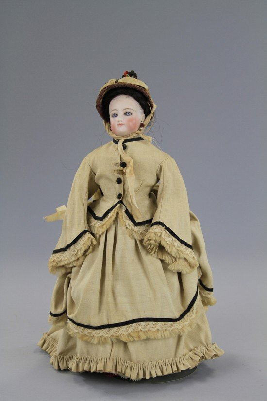 18: PETITE FRENCH FASHION ATTRIBUTED TO GAUTHIER