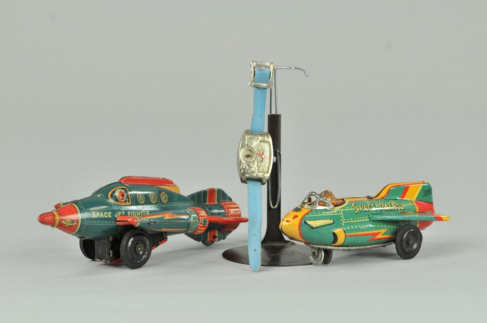 439: TWO SPACE PLANES AND TOY WATCH