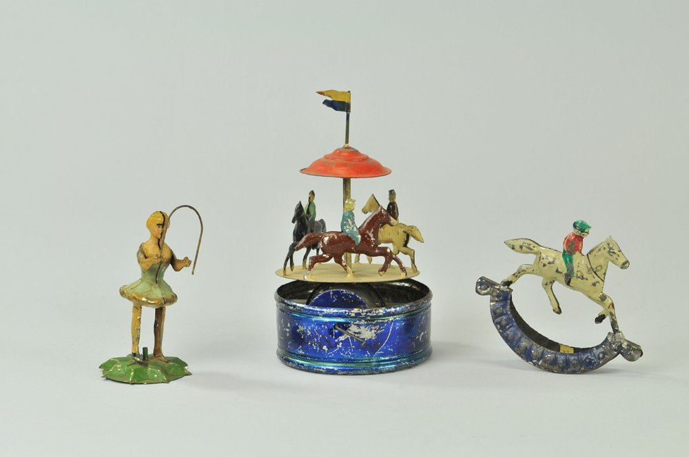 1041: LOT OF SMALL TIN TOYS