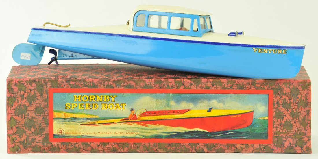 11: HORNBY BOXED SPEED BOAT