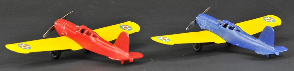 LOT OF TWO ARCADE 1941 AIRPLANES
