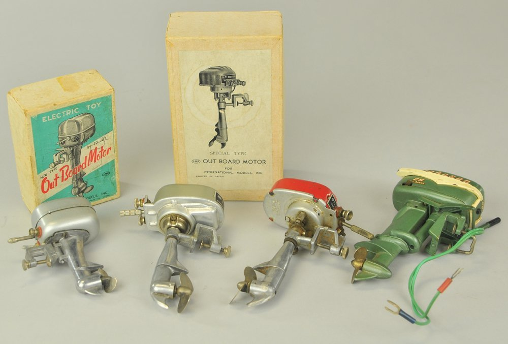 GROUPING OF MINIATURE TOY OUTBOARD MOTORS - 2
