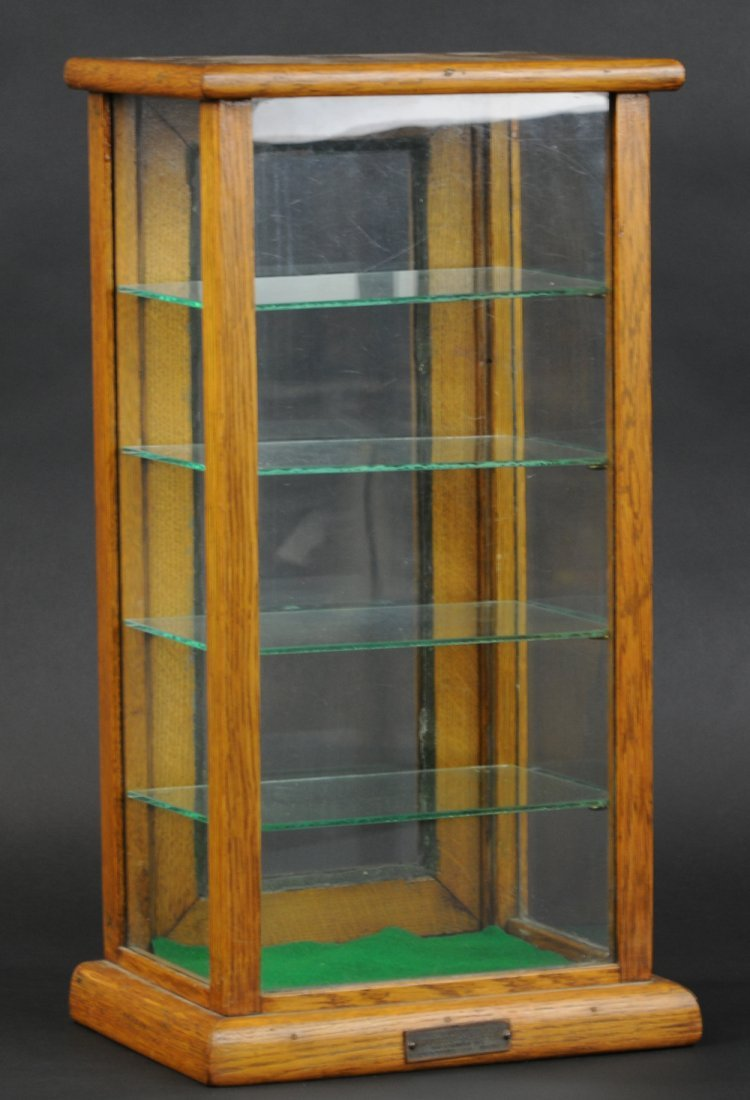 SMALL SPECIALTY SALES DISPLAY CASE