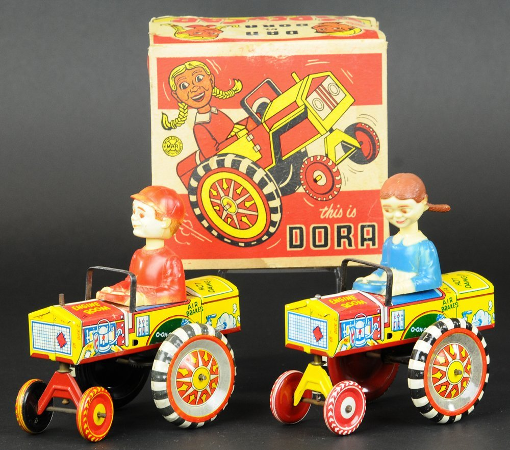 DORA AND DAN DRIVERS IN AUTOS