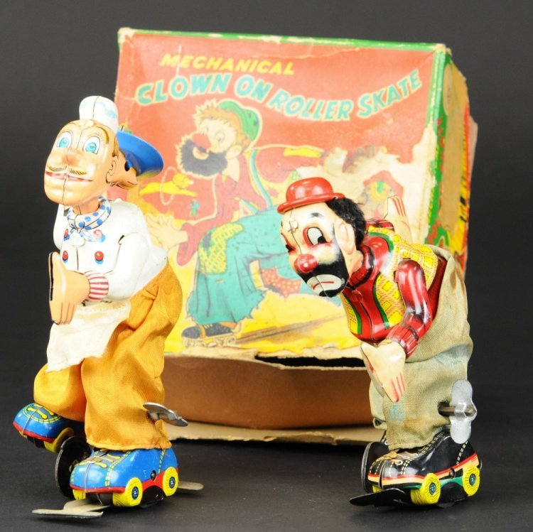 CLOWN AND CHEF ON ROLLERSKATES