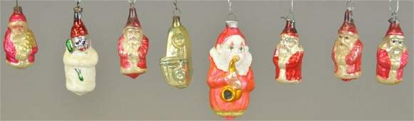 GROUPING OF EIGHT GLASS ORNAMENTS