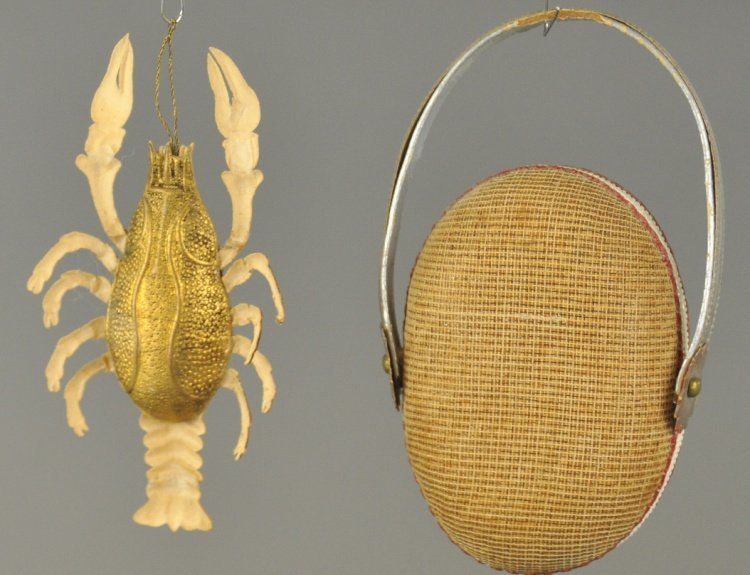 * A GOLDEN LOBSTER AND RED LOBSTER PURSE - 2