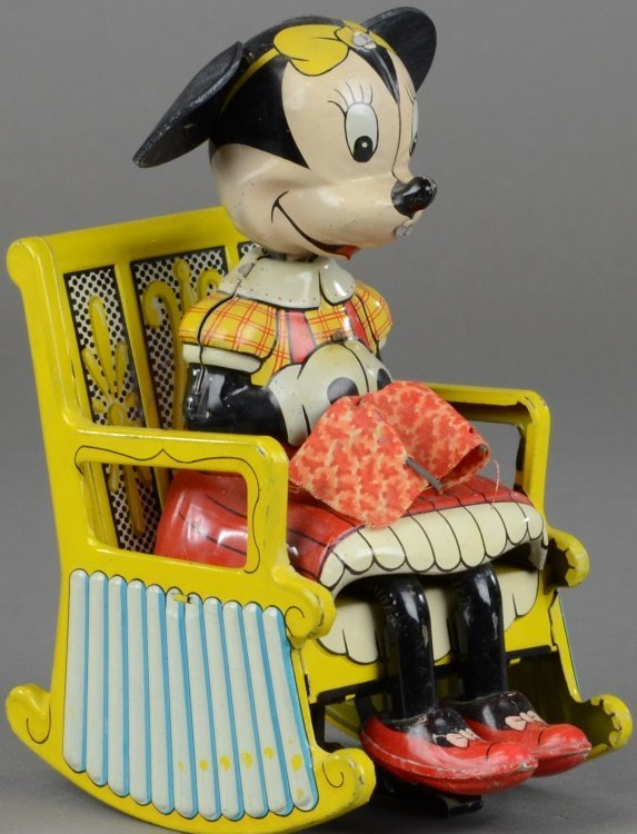 MINNIE MOUSE KNITTER