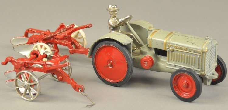 ARCADE MCCORMICK DEERING TRACTOR AND PLOWS
