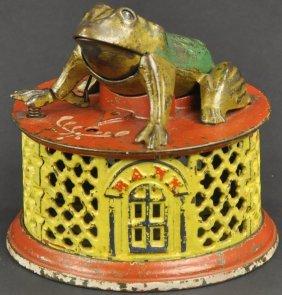 Frog On Lattice Mechanical Bank