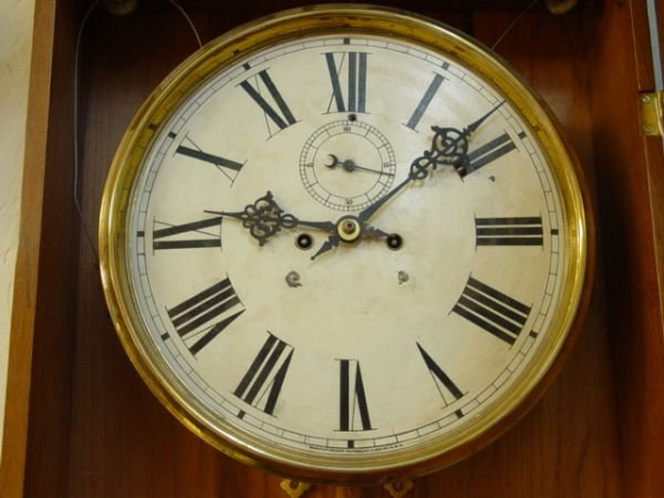 18: Large Waterbury Antique Wall Clock - 6