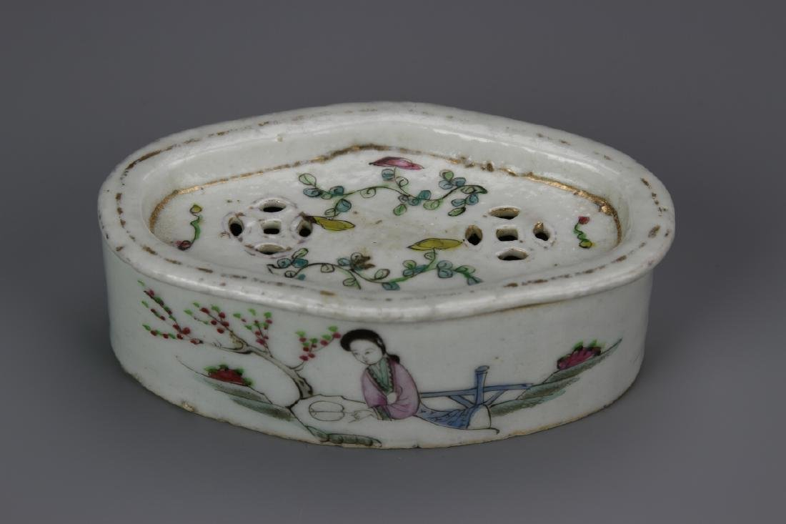 Chinese Famille Rose Cricket Box