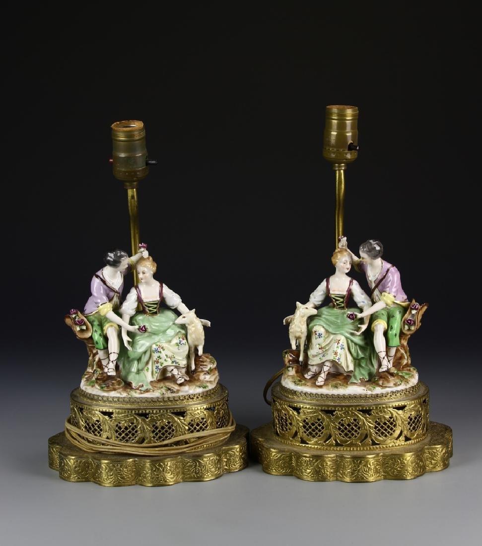 European A Pair Of Porcelain Lady Figures Lamp