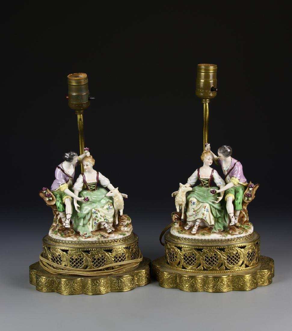 European A Pair Of Porcelain Lady Figures Lamp