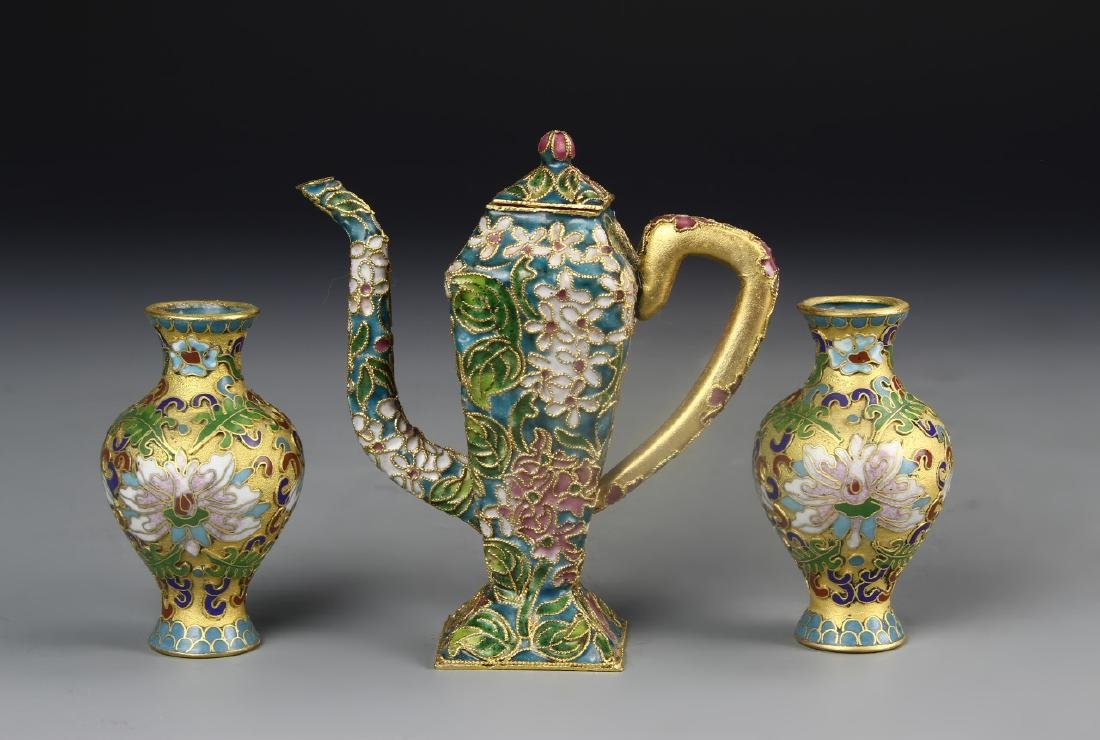 Chinese A Pair Of Cloisonne Vases And Wine Pot
