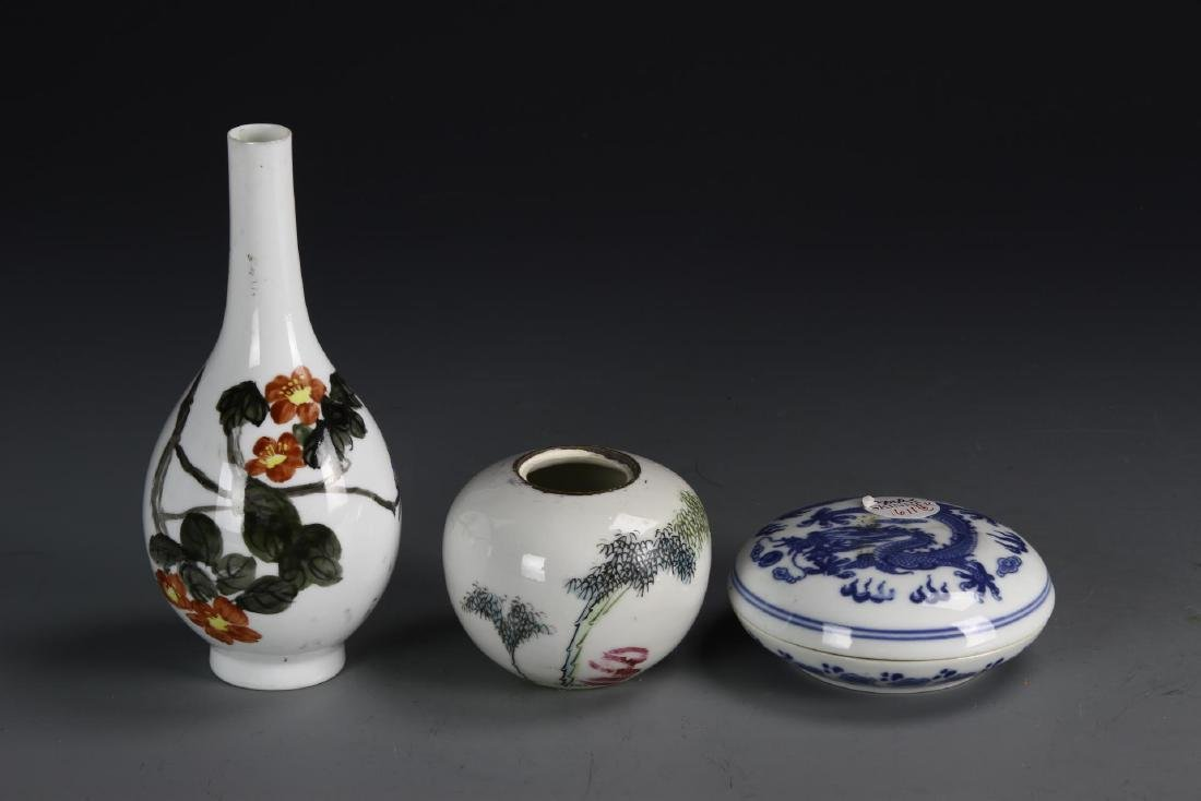 Chinese Three Porcelain Items