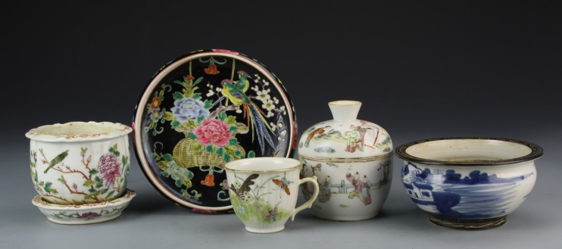 Chinese Porcelain Items