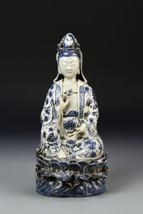 Chinese Blue And White Guanyin Statue