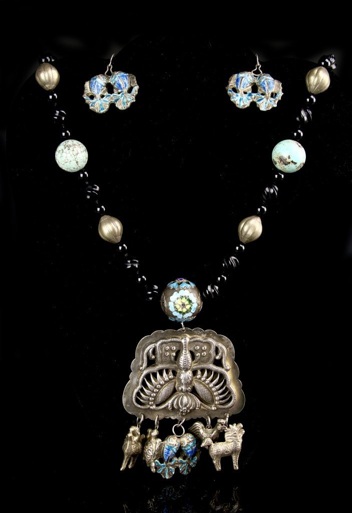 Chinese Turquoise Necklace with Pair of Earrings