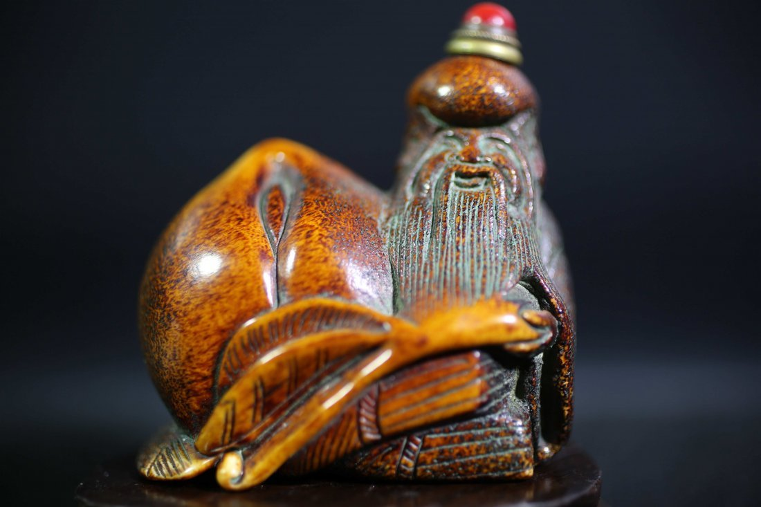 chinese Antler carved snuff bottle
