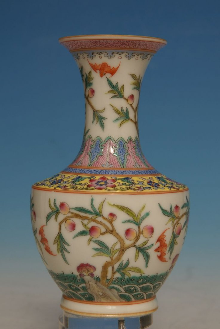 chinese qing Dy qianlong Famille Rose Vase