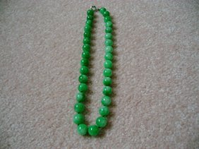 Chinese Natural Old Apple Green Jade Bead Necklace
