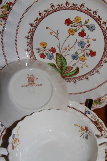 "COPELAND SPODE ""COWSLIP"" 41PC PARTIAL SET OF CHINA"
