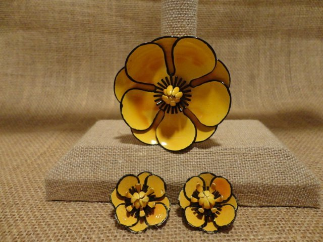 Sunflower pin and Earrings