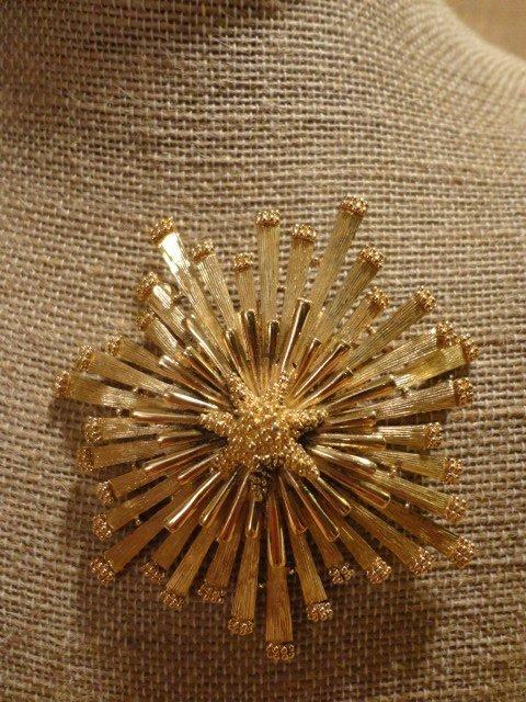 Monet Modernist Starburst Pin/Pendant