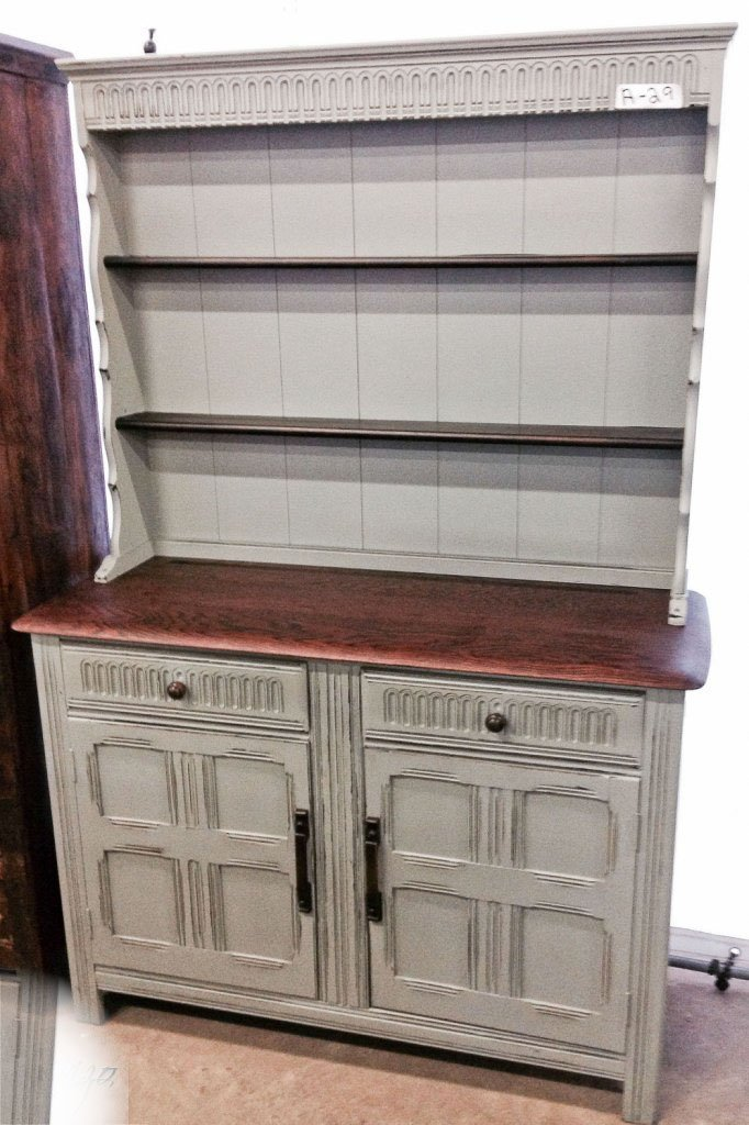 LIGHT GRAY RED OAK TOP WELSH CUPBOARD
