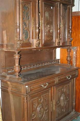 Large oak fitted continental buffet