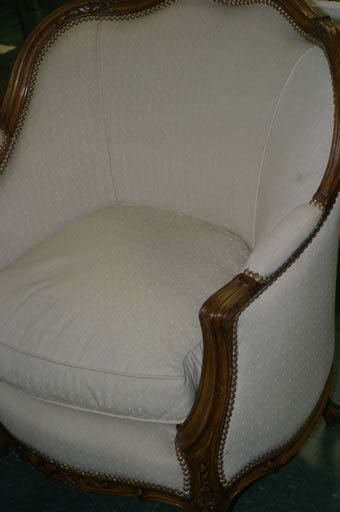 565: Pair good quality 19c tub chairs with up
