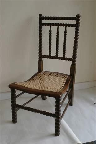 Bobbin shaped nursing chair