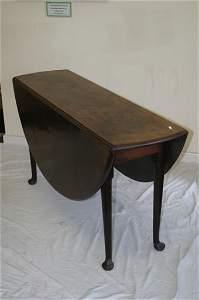 646: Good quality Georgian drop leaf table on