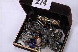 2274: Small collection of costume jewellery t