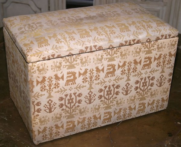3007: 20c sewing box with machined sampler pattern in g