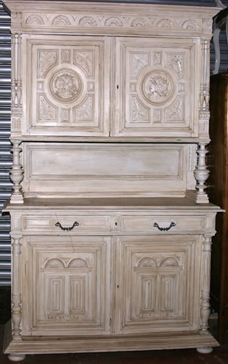 3008: 19c Napoleon III buffet du corps in antique white