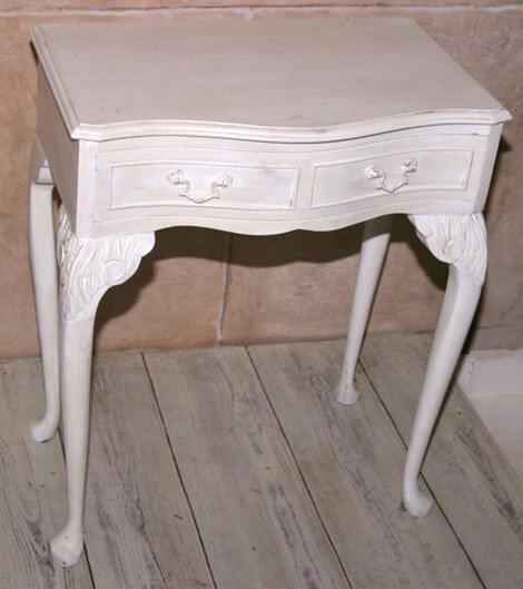 3013: 20c ivory painted side table on cabriole legs
