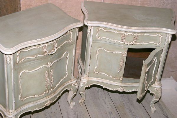3014: Pair of early 20c Louis XV style bedside cabinets